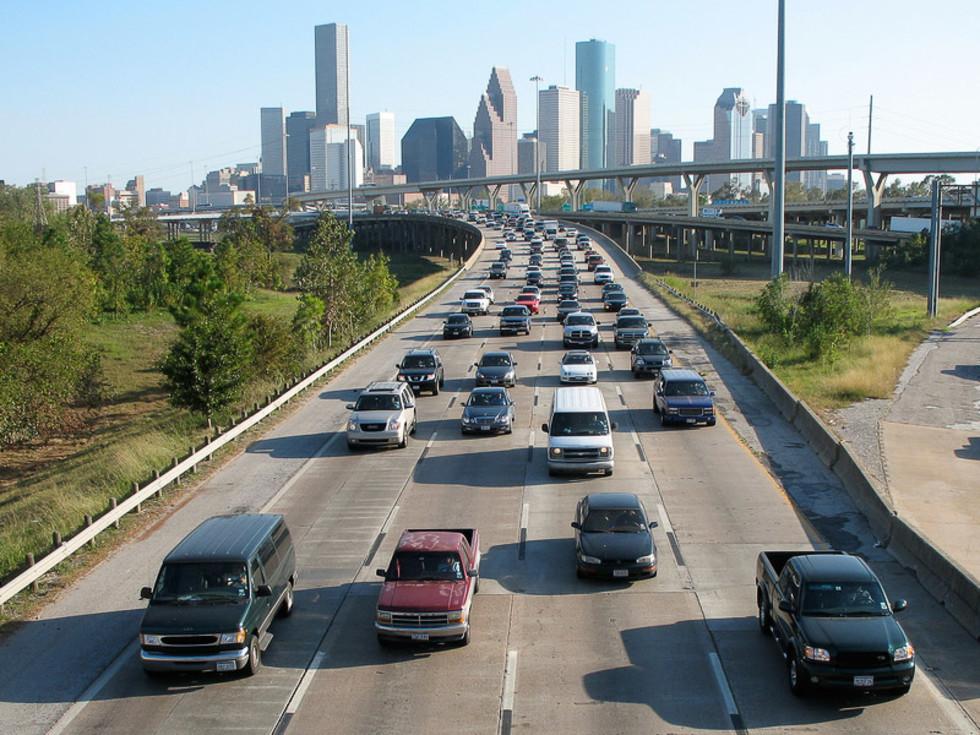 News_Houston_skyline_downtown_traffic