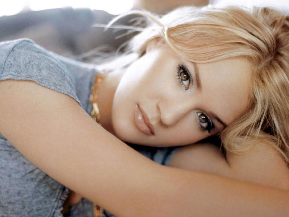 News_Michael D. Clark_concert pick_Carrie Underwood