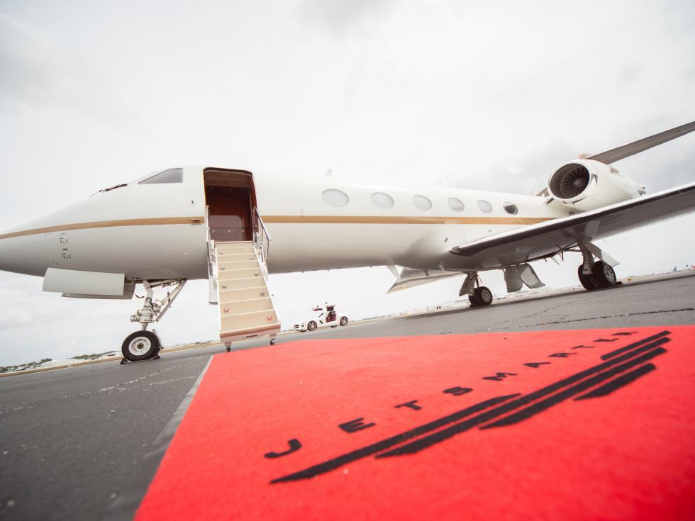 JetSmarter luxury private jet service