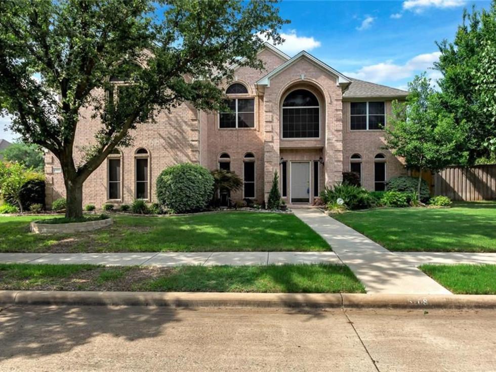 Fort Worth suburb Park Glen home for sale