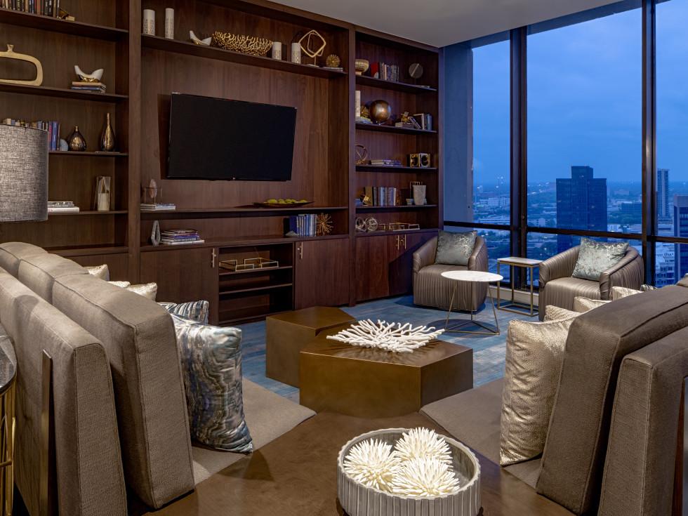 The Westin Galleria Houston Club Lounge