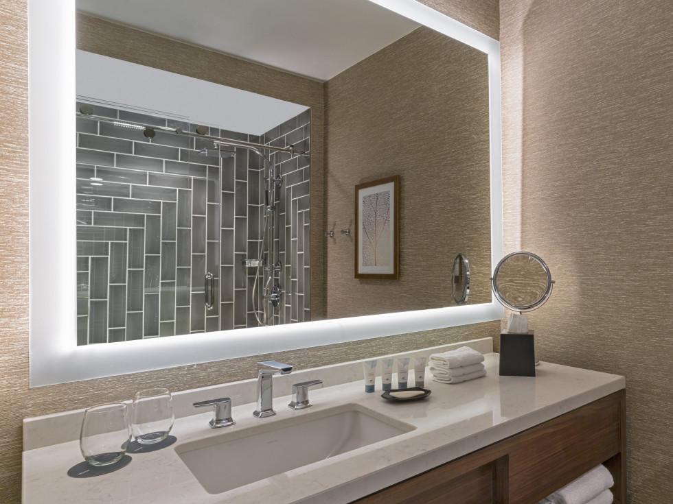 The Westin Galleria Houston bathroom