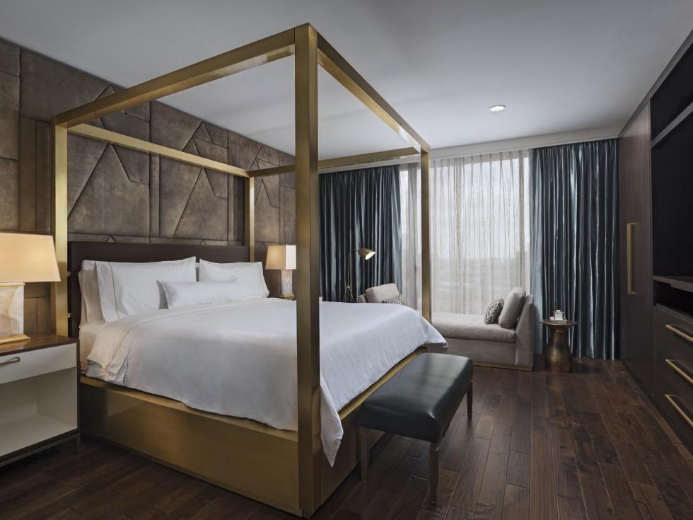 The Westin Galleria Houston Pinnacle suite bedroom