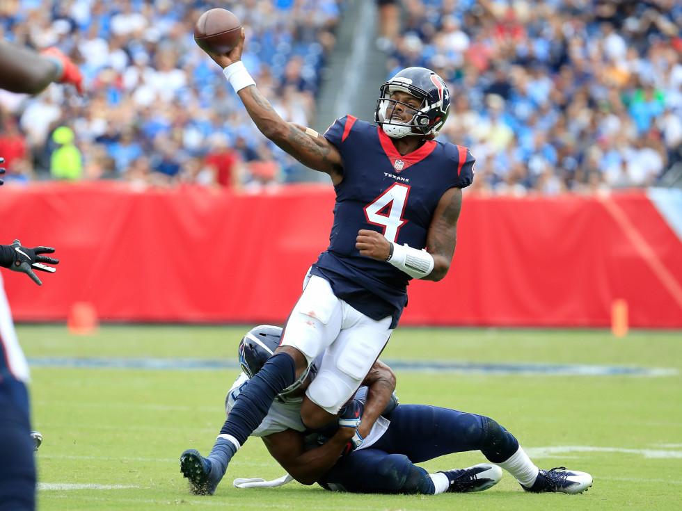 Deshaun Watson throwing running grasp tackle Tennessee Titants