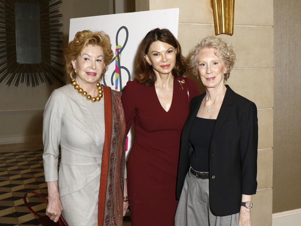 Phyllis Coit, Roxanne Phillips, Tandy Mitchell
