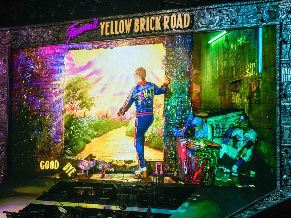 Elton John - Houston Toyota Center - Farewell Yellow Brick