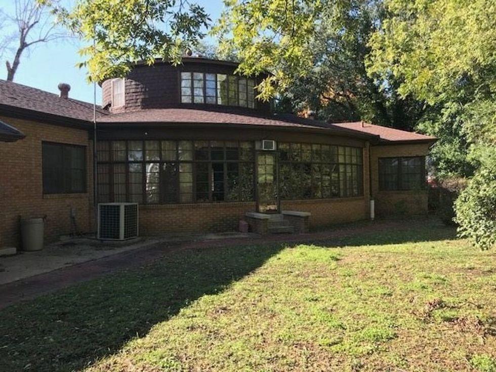 Gladewater round house