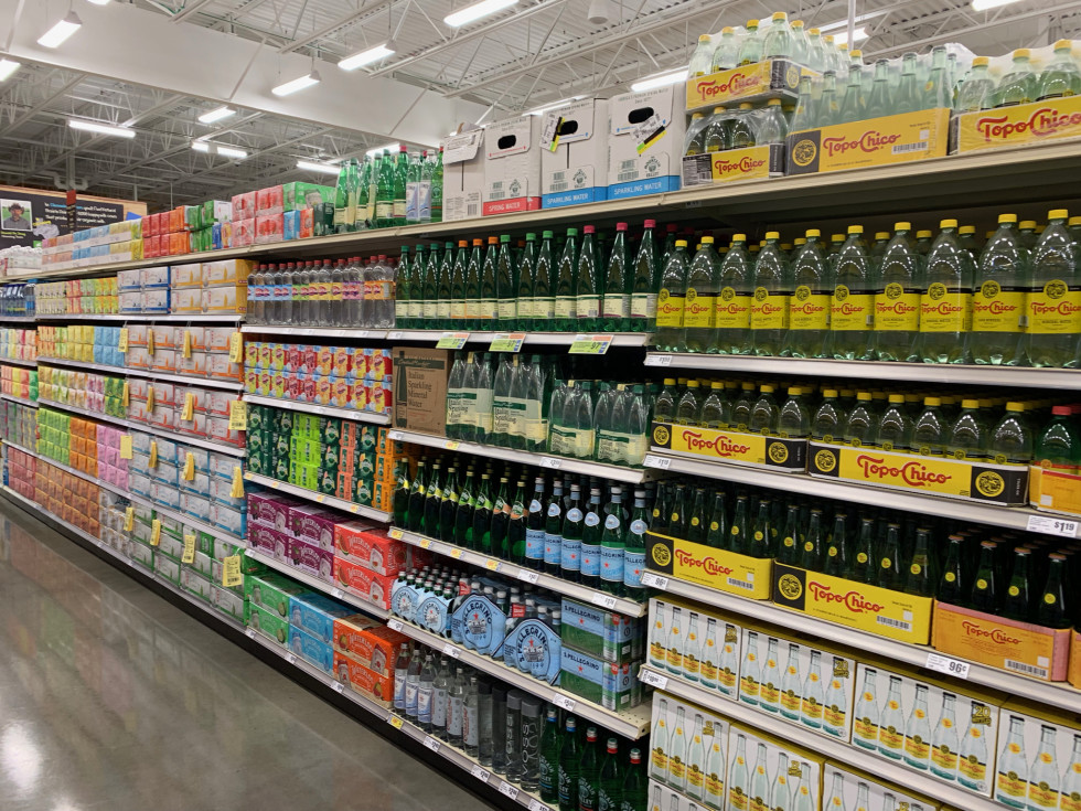 H-E-B Heights sparkling water