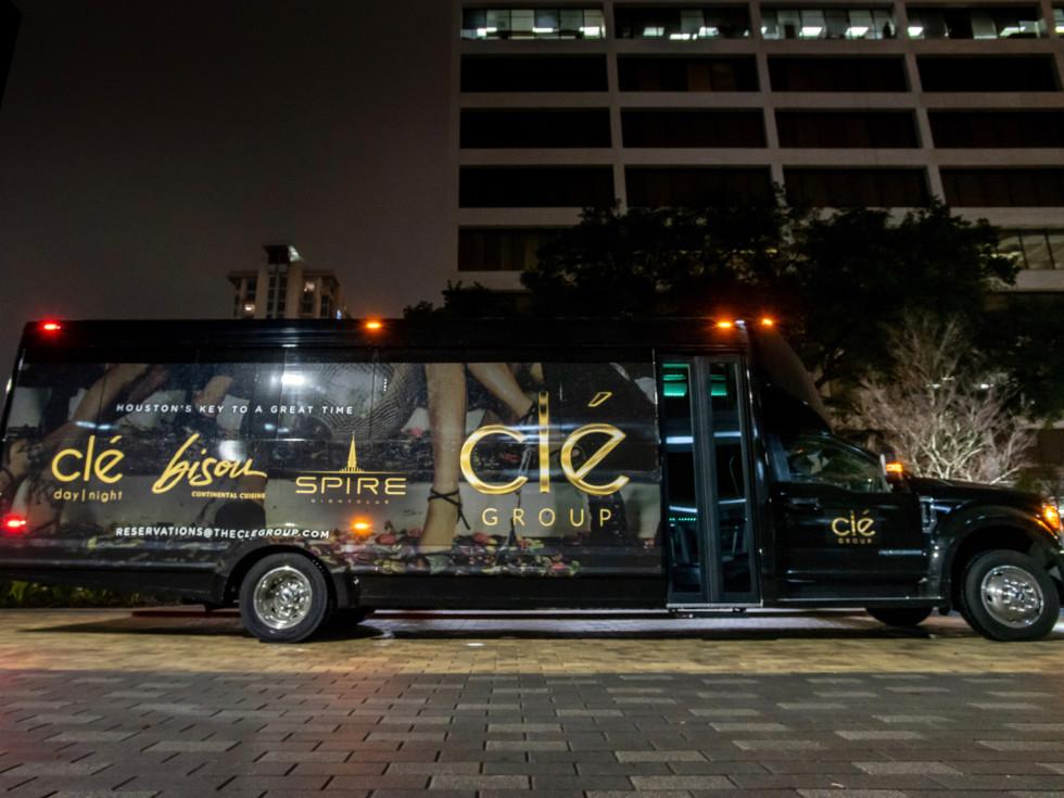 Clé Group Bus exterior
