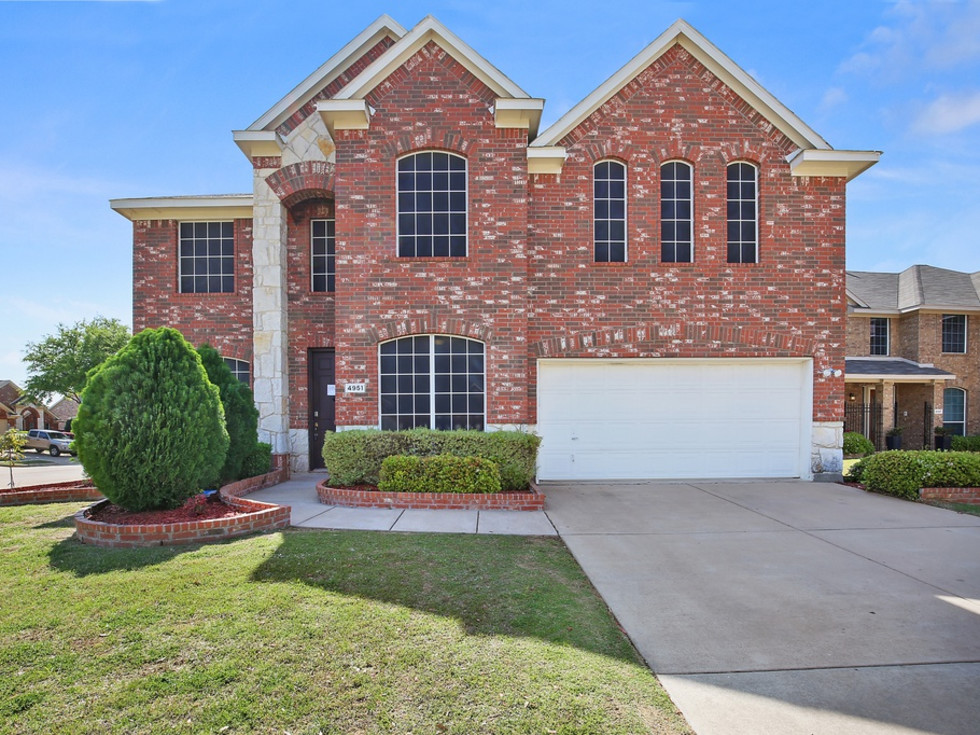 4951 Eyrie Court house for sale in Grand Prairie