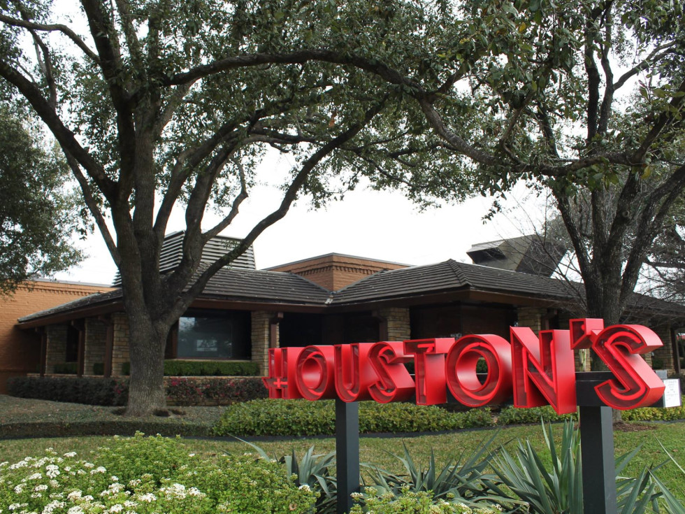 Houston's Kirby exterior