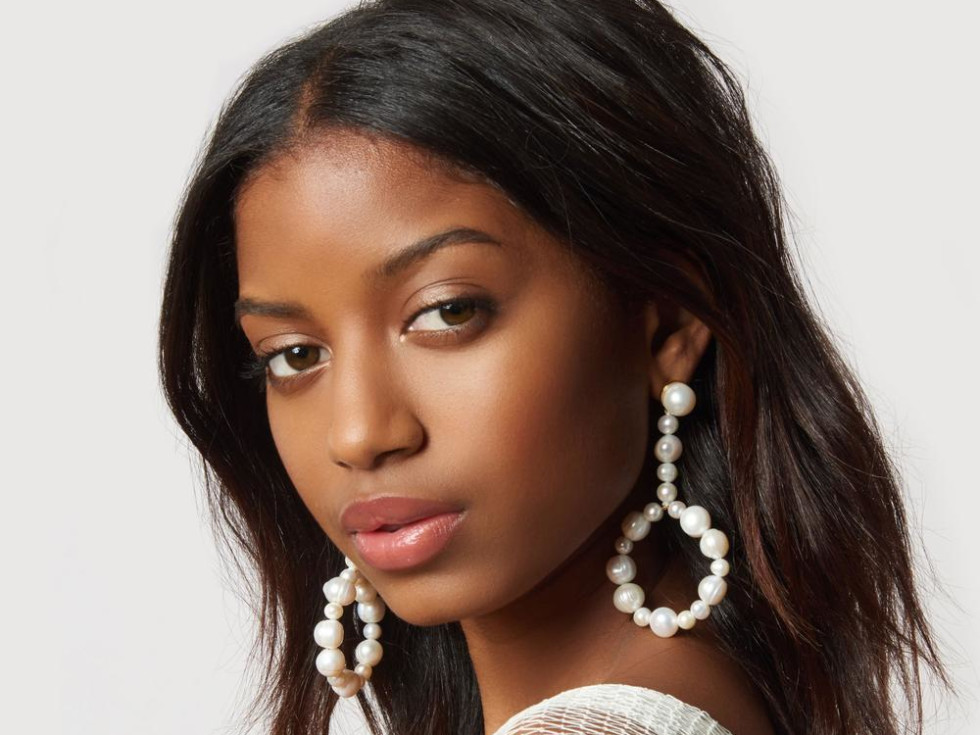 LeLe Sadoughi pearl earrings