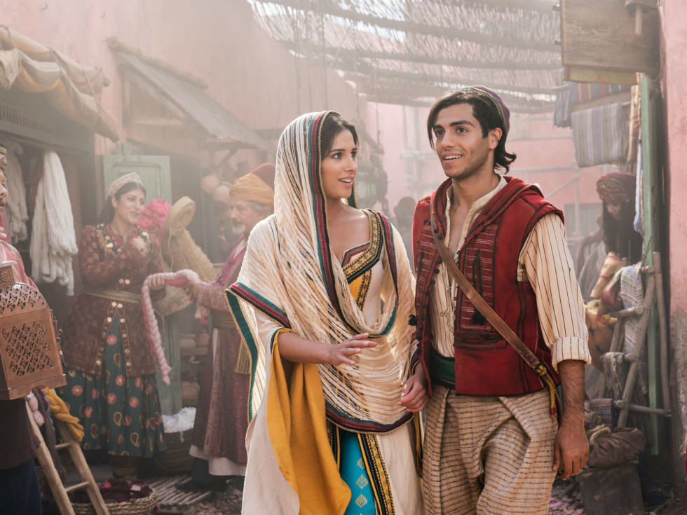 Naomi Scott and Mena Massoud in Aladdin