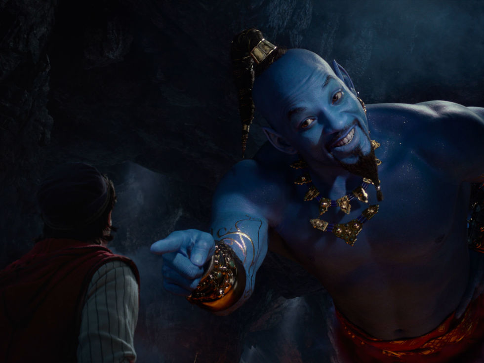 Mena Massoud and Will Smith in Aladdin