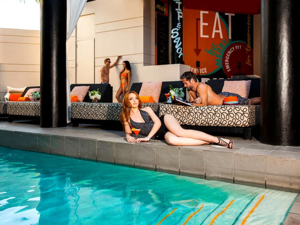 Float & Flick Hotel Derek