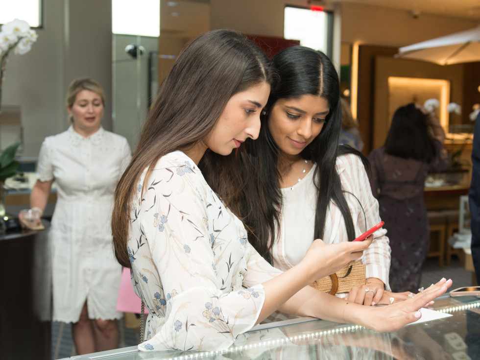 Deutsch Belles and Baubles 2019 Madiha Jamil and Samija Jafri