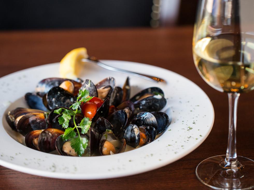 Bacaro Kitchen & Wine Bar mussels