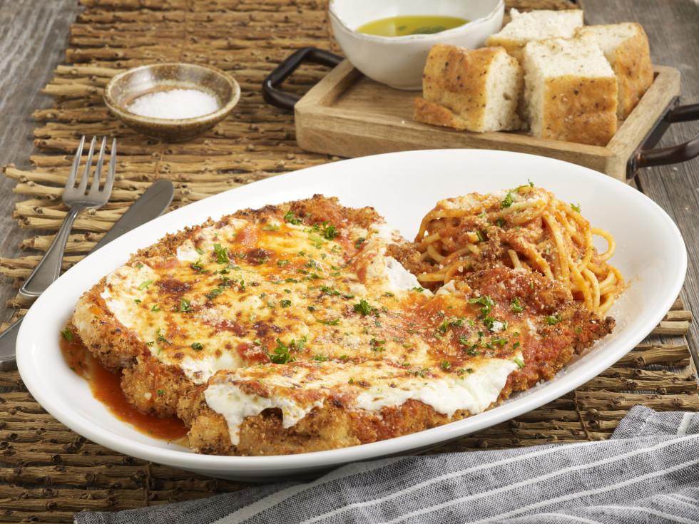 BB Italia chicken parmigiana