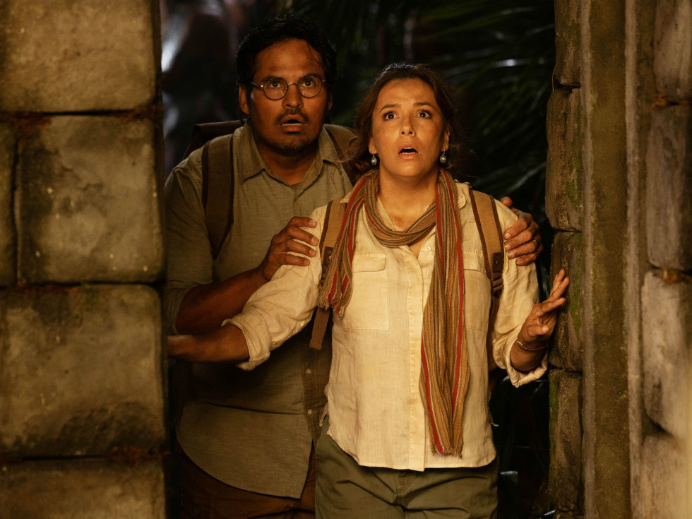 Michael Peña and Eva Longoria in Dora and the Lost City of Gold