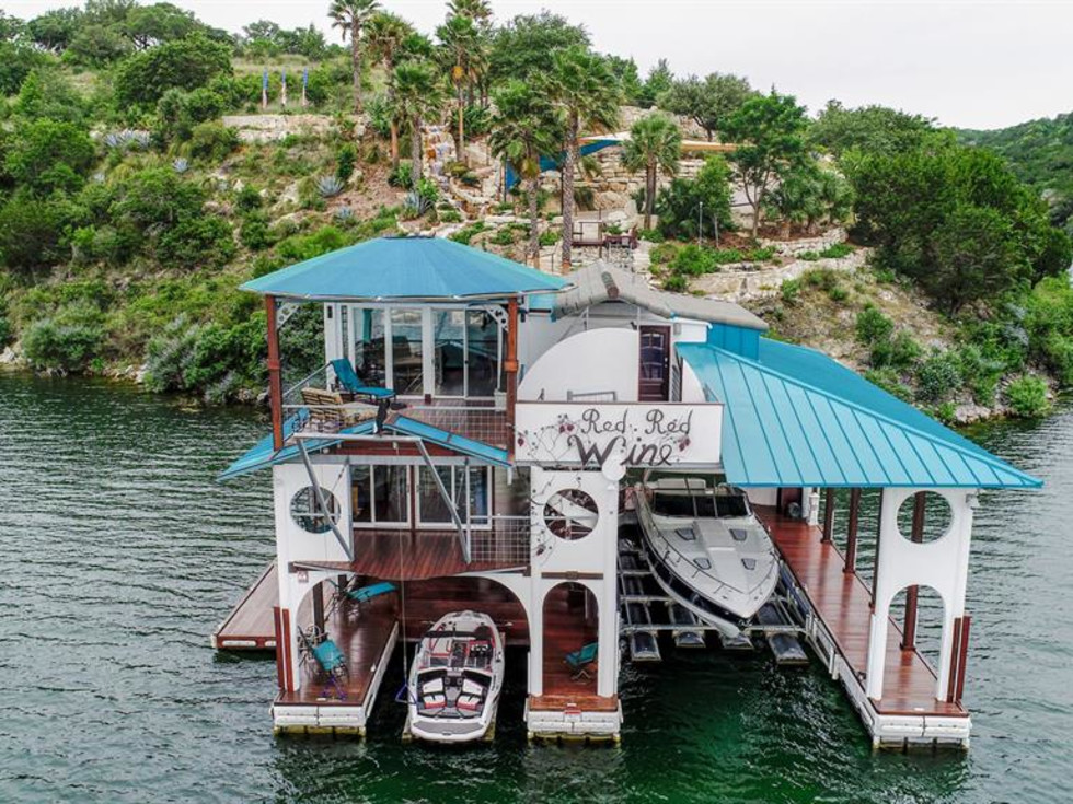 Lago Vista Lake Travis home boathouse