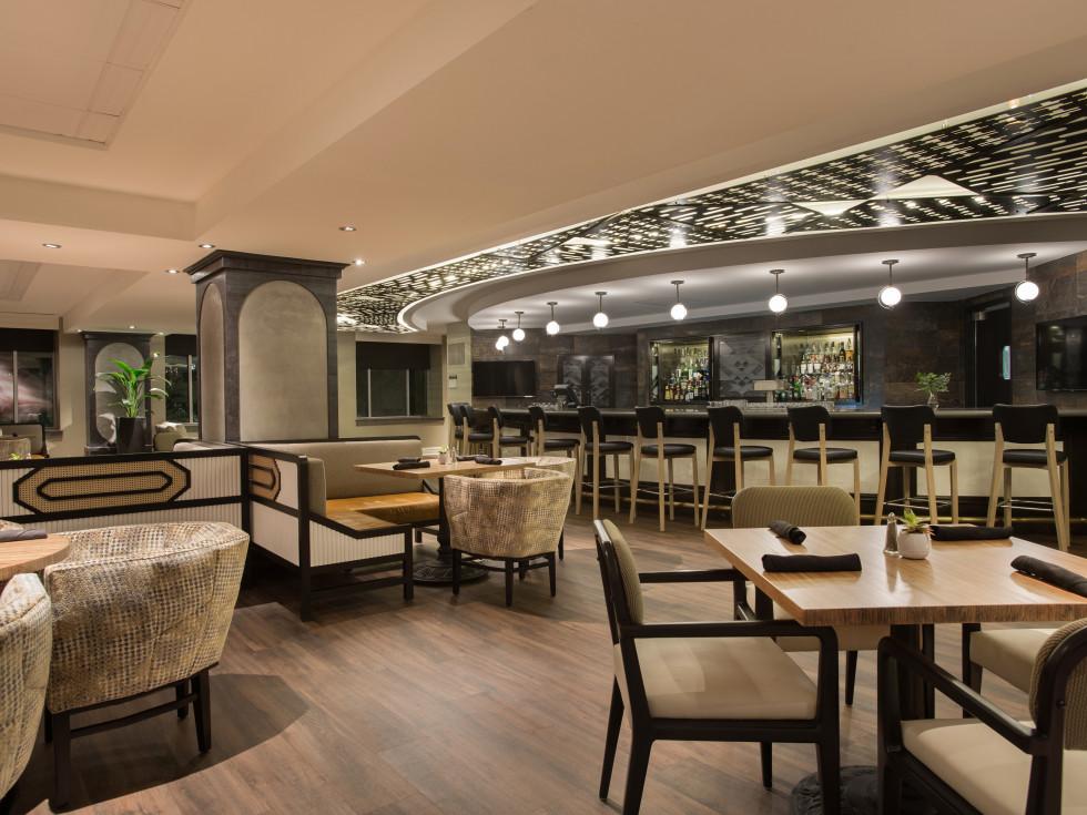 Magnolia Hotel lobby lounge