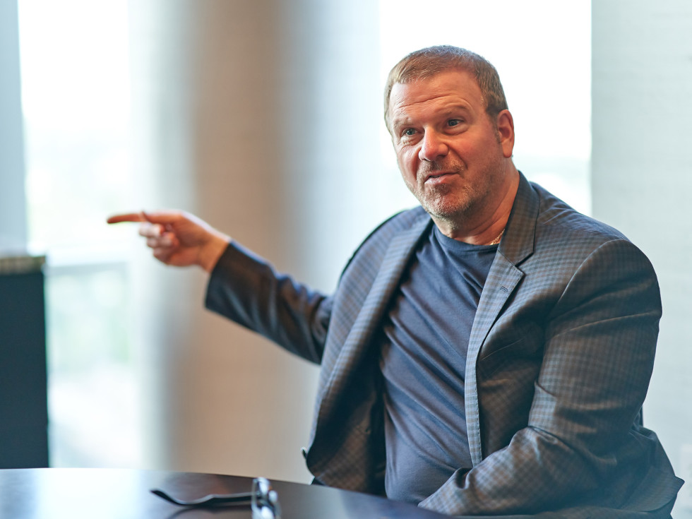 Tilman Fertitta Shut Up and Listen book pointing