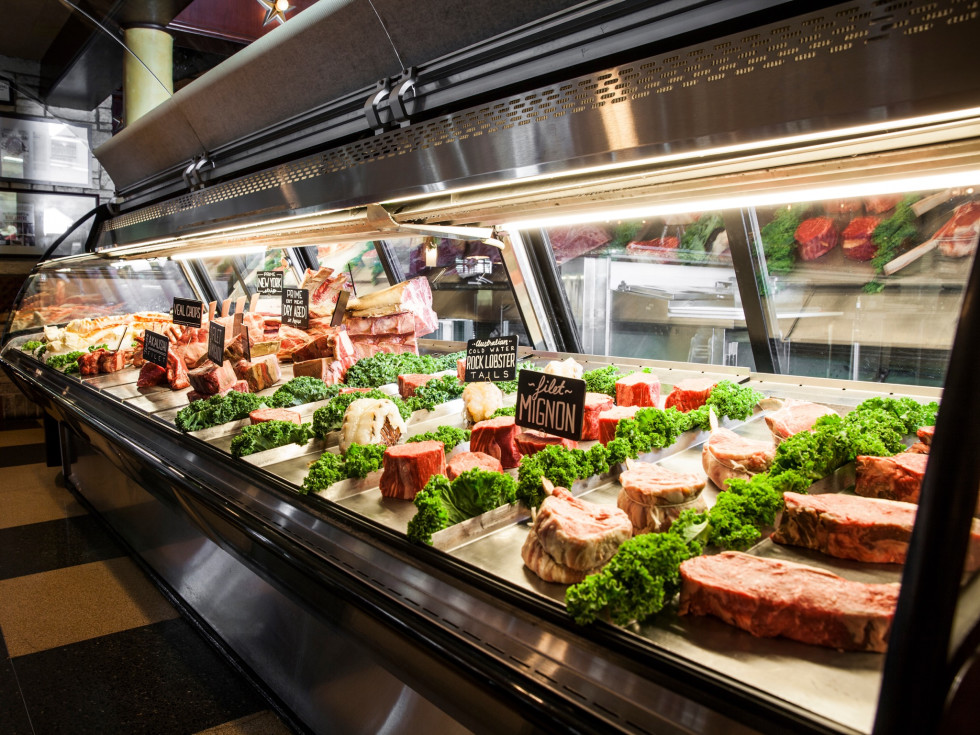Pappas Bros Steakhouse meat case
