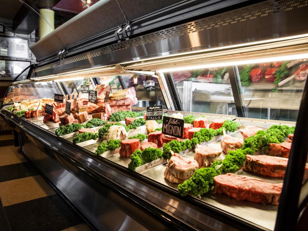 Pappas Bros Steakhouse meat case