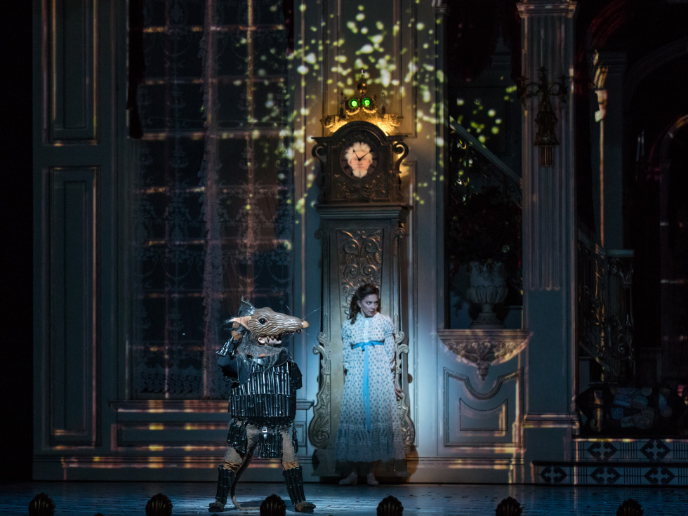 Houston Ballet Principal Melody Mennite as Clara with Student of Houston Ballet Academy in Stanton Welch's The Nutcracker