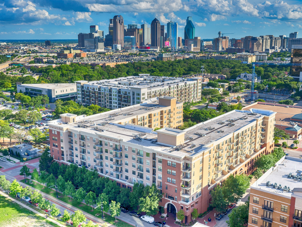 Uptown Dallas apartments with skyline