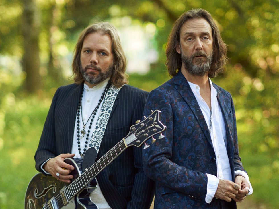 Rich and Chris Robinson of The Black Crowes