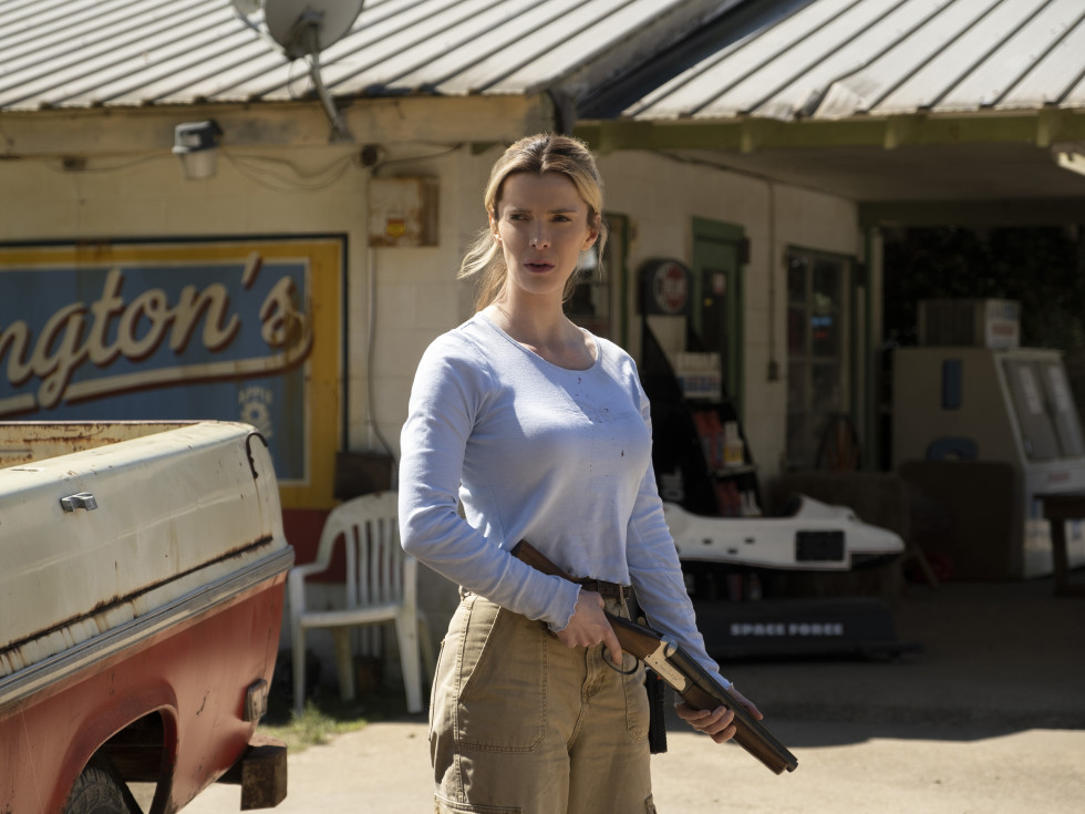 The Hunt movie review Betty Gilpin as Crystal in The Hunt