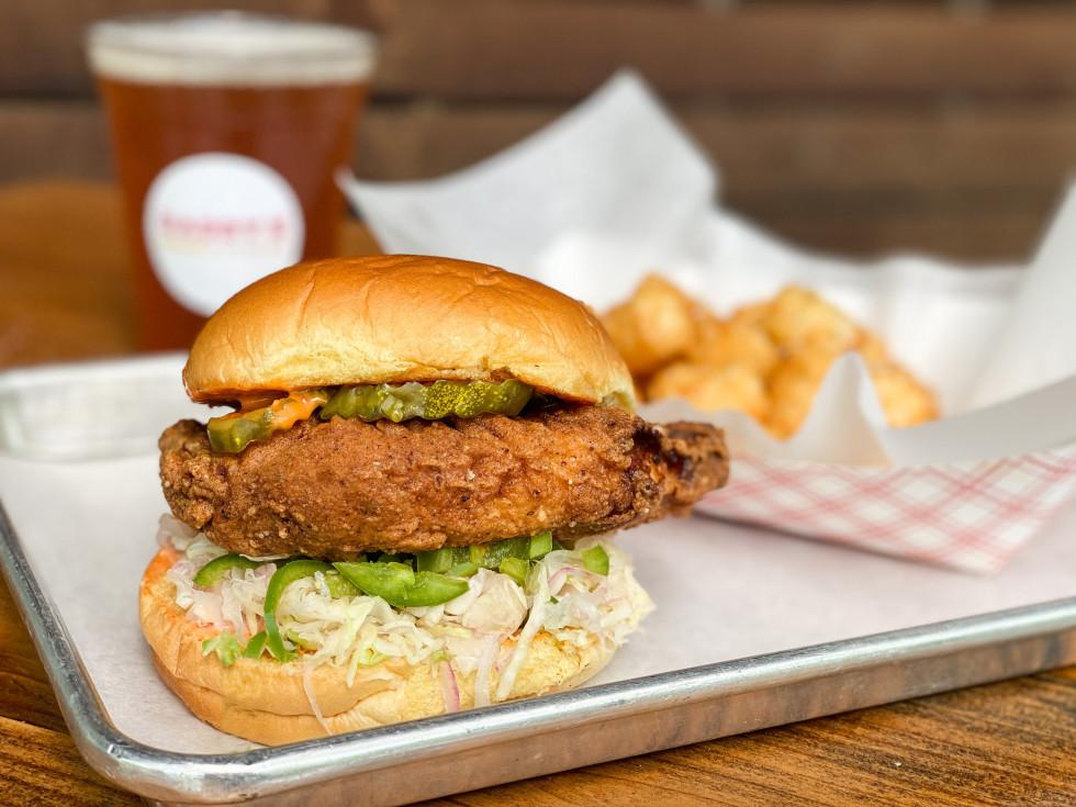 Daddy's Burgers fried chicken sandwich