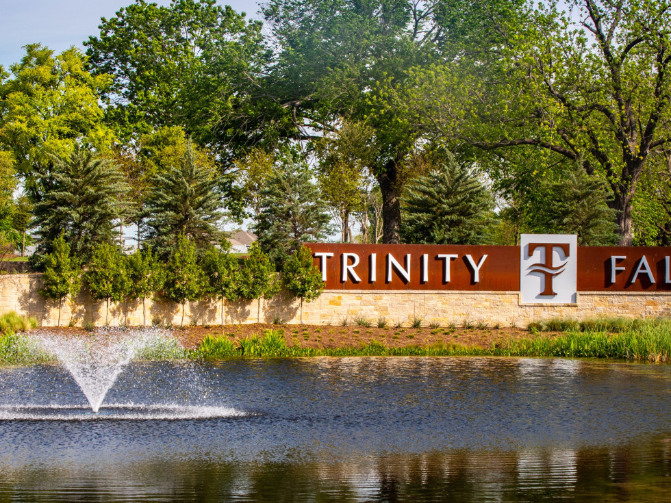 Trinity Falls welcome sign