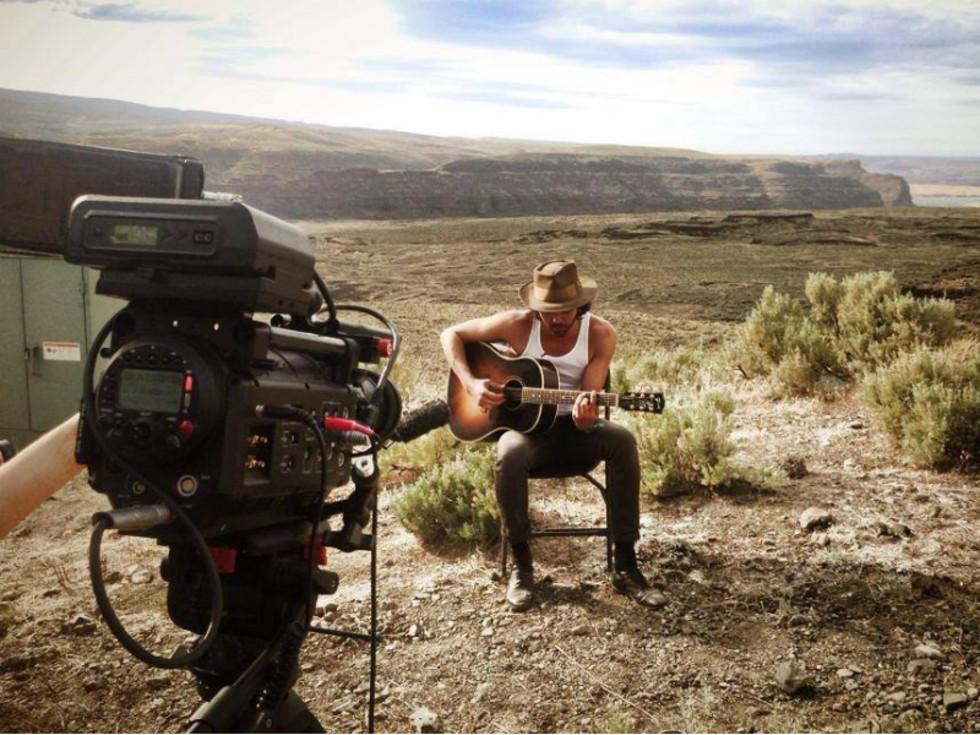 Shakey Graves_Austin musician_camera_desert
