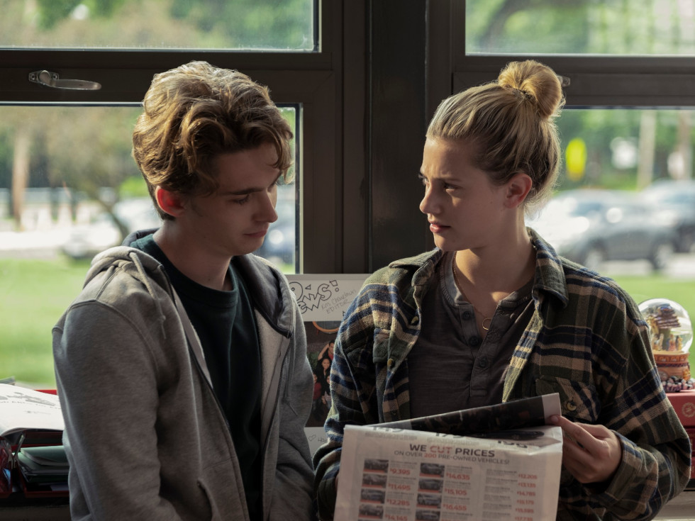 Austin Abrams and Lili Reinhart in Chemical Hearts