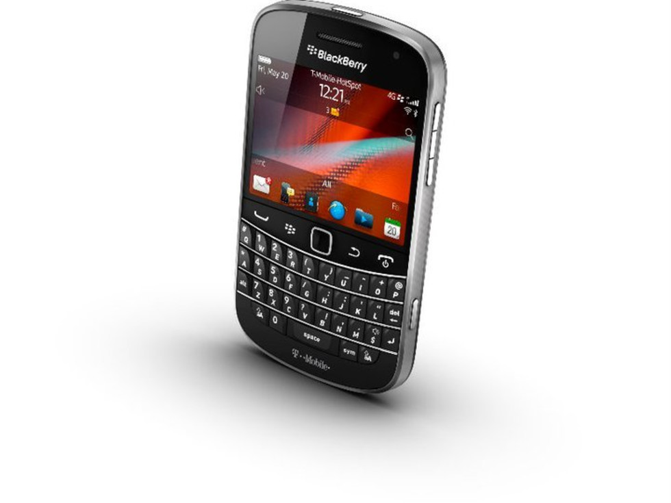 Blackberry Bold 4G cell phone