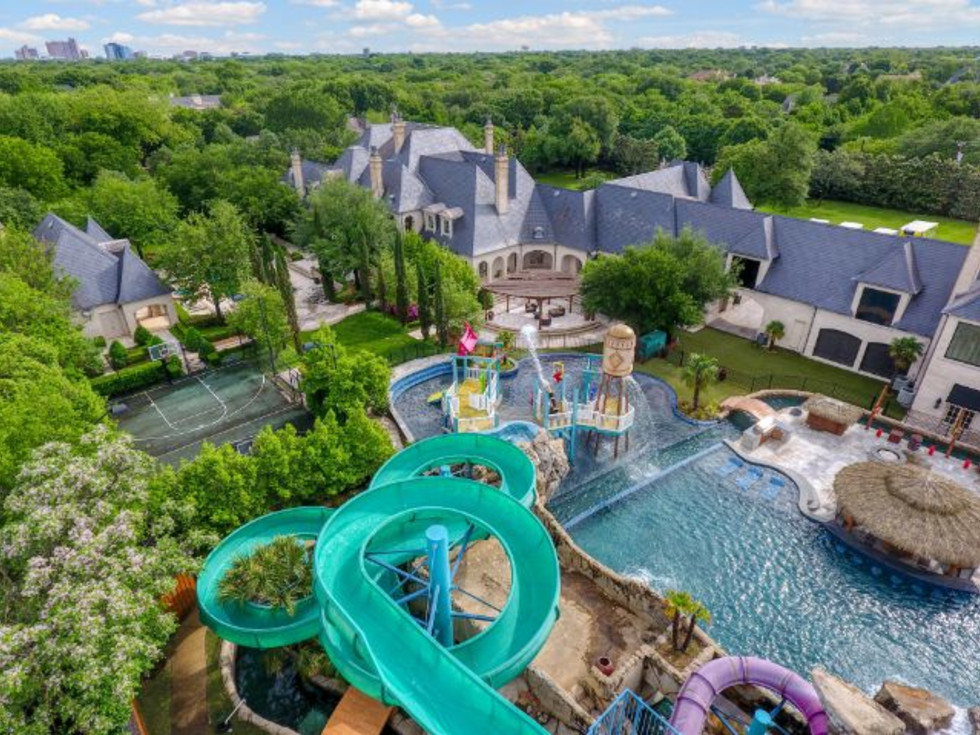 Malouf waterpark slide