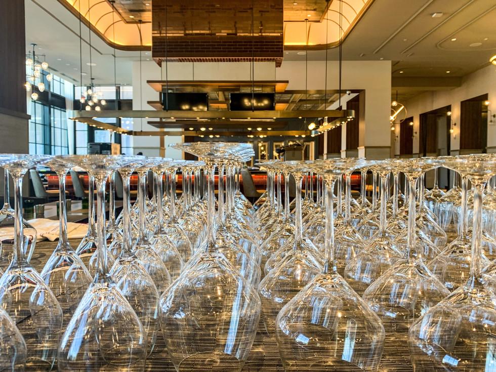 wine glasses, Hotel Vin, Grapevine