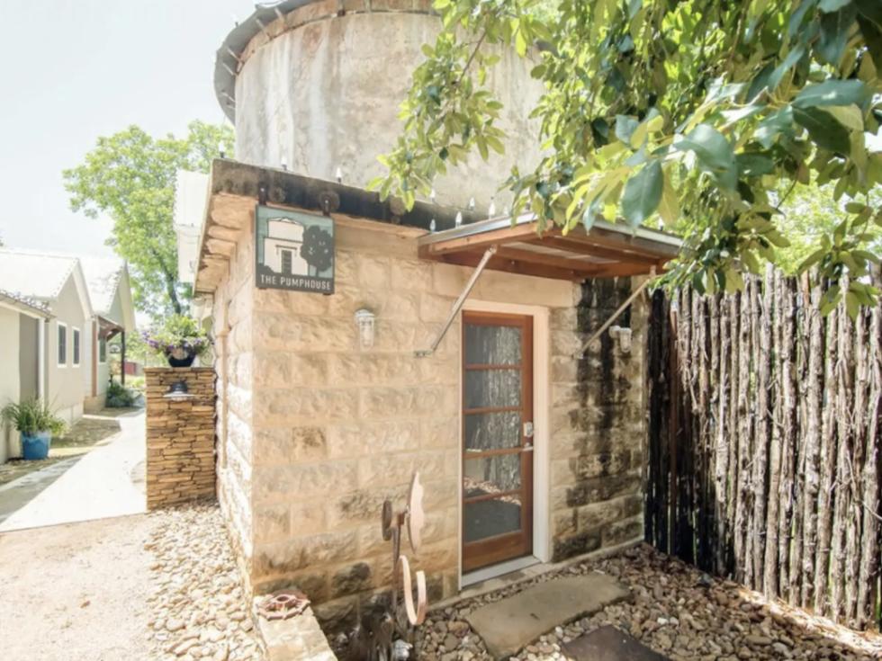 Fredericksburg airbnb pump house