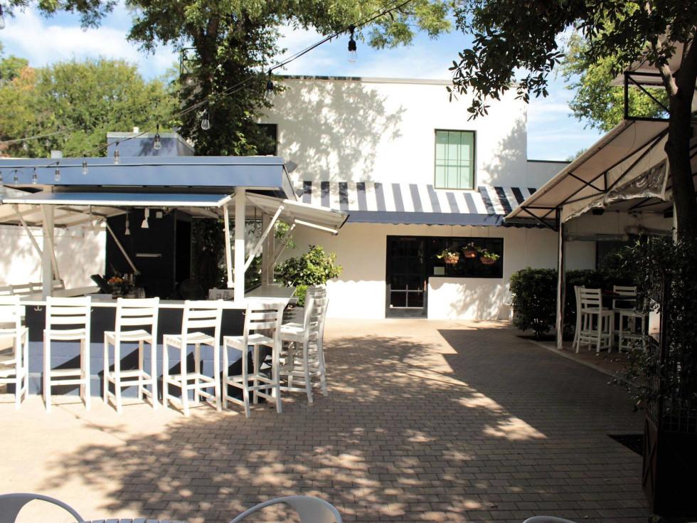 Juliet Italian Kitchen patio