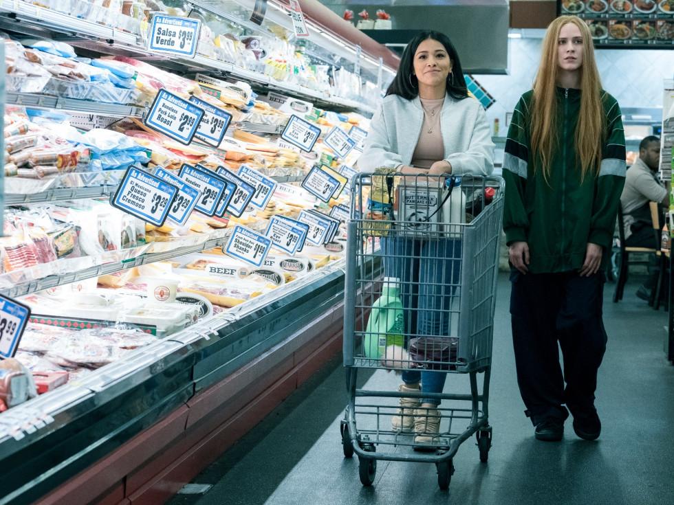 Gina Rodriguez and Evan Rachel Wood in Kajillionaire