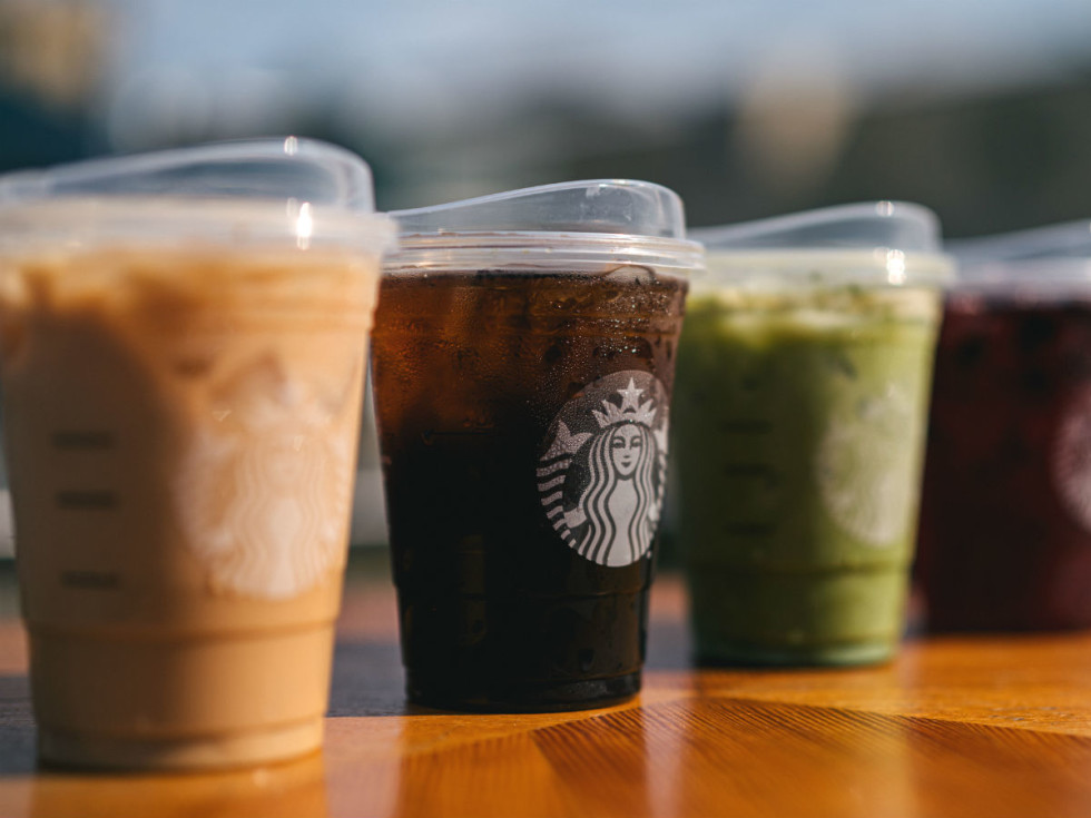 Starbucks strawless lids