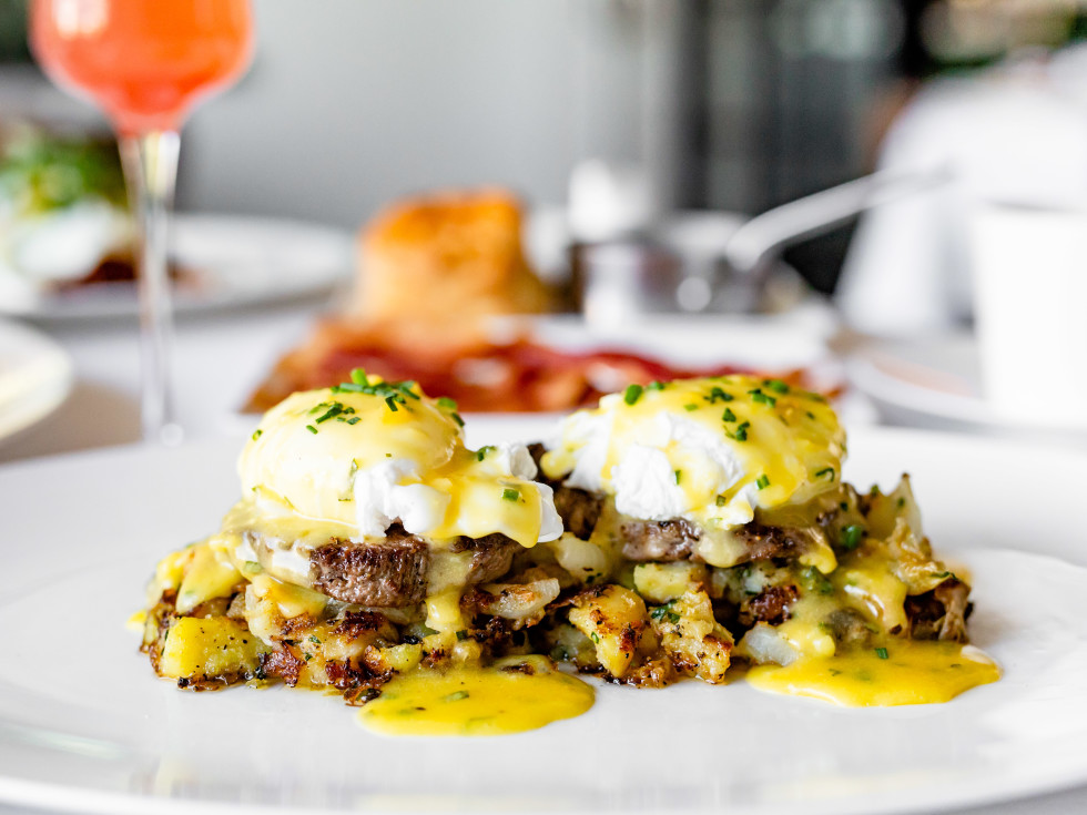 Cafe Annie filet mignon Benedict