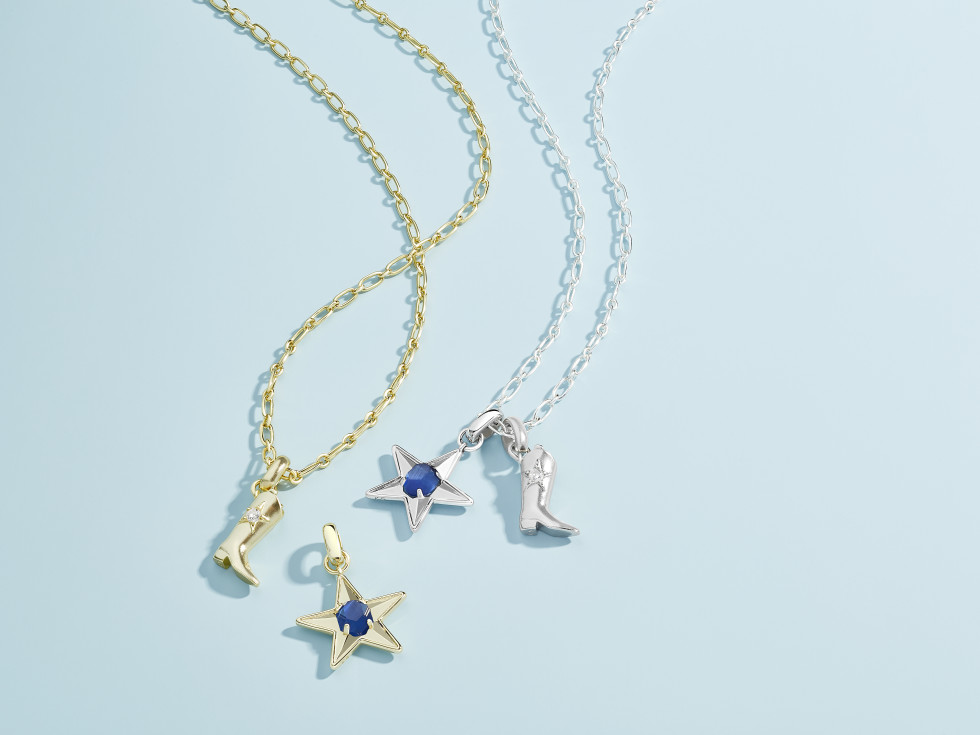 Dallas Cowboys charms at Kendra Scott