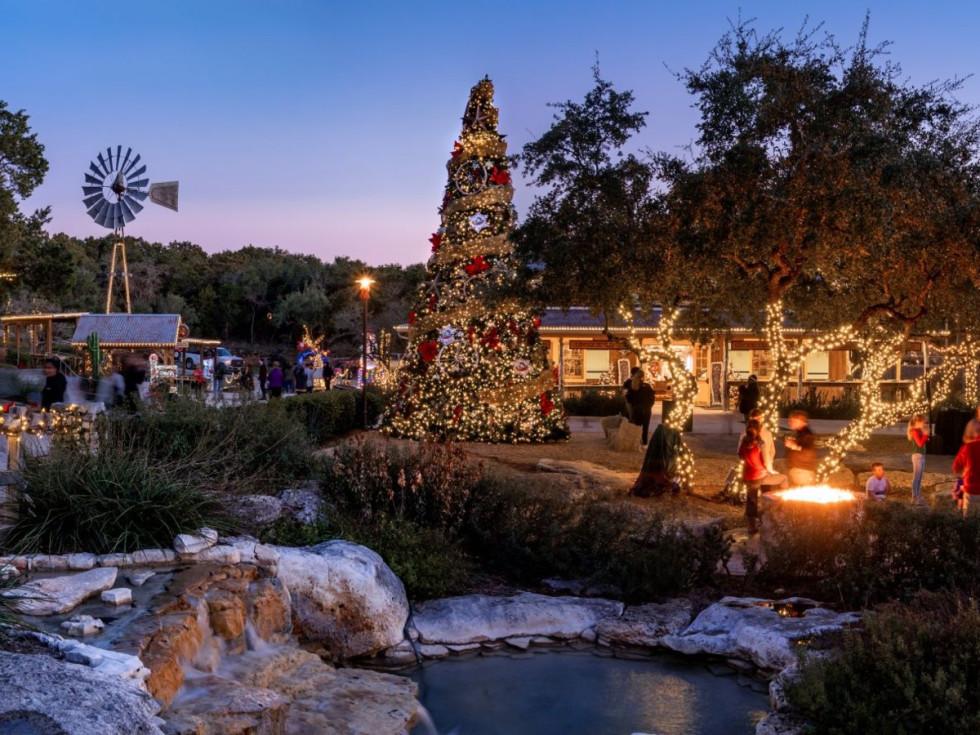 Christmas at the Caverns
