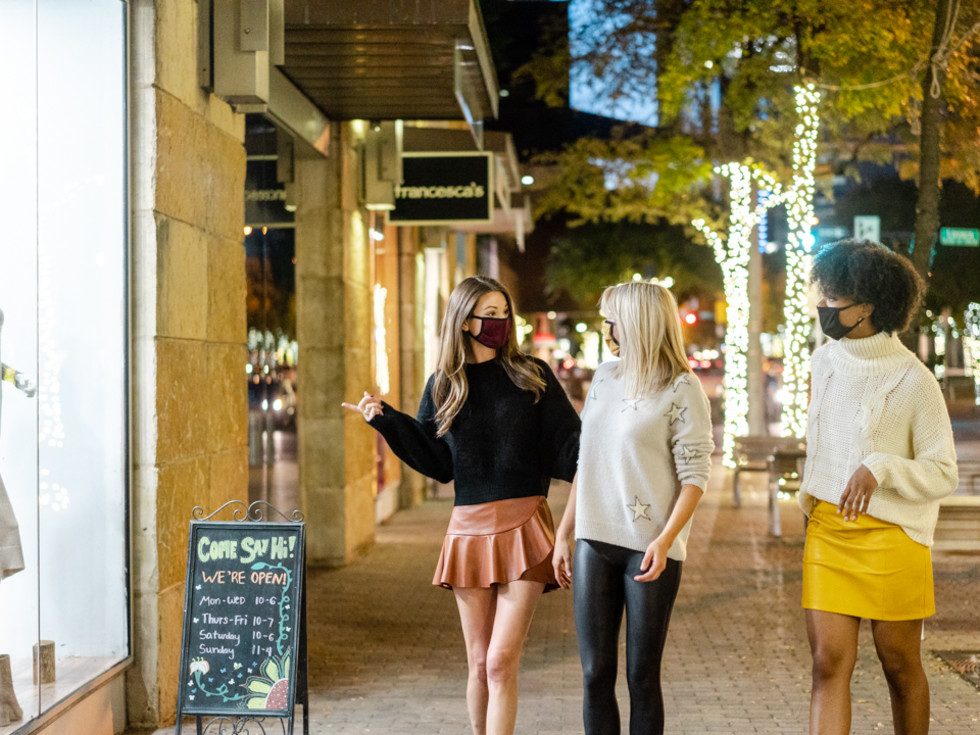2nd Street District holiday shopping