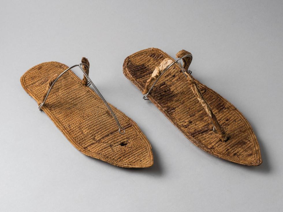 Nefertari sandals