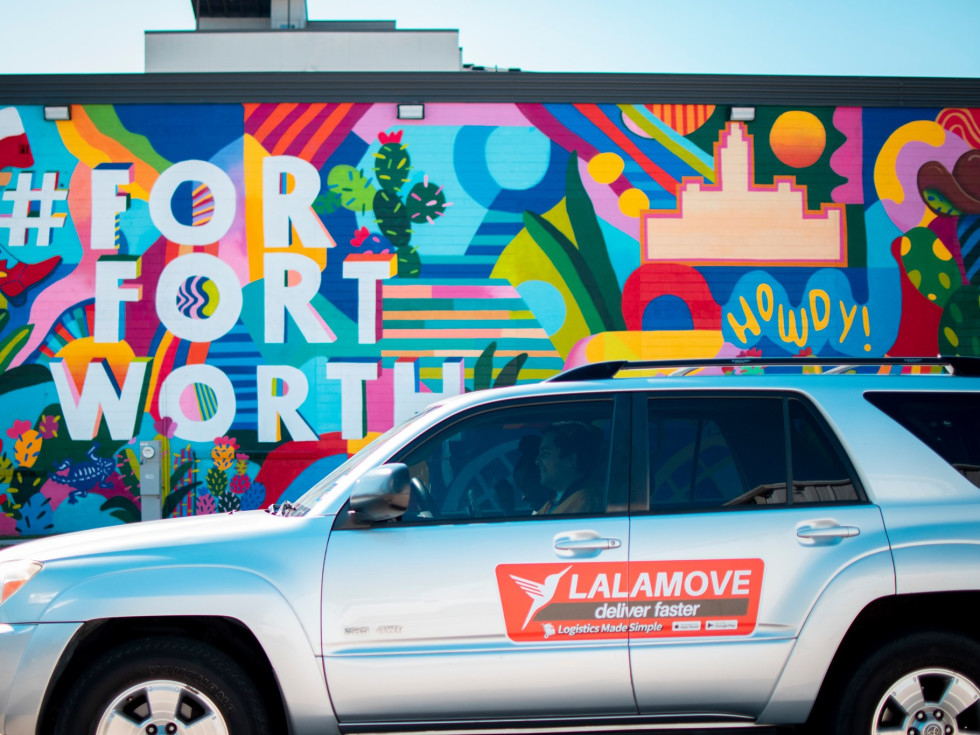 Fort Worth mural and delivery car