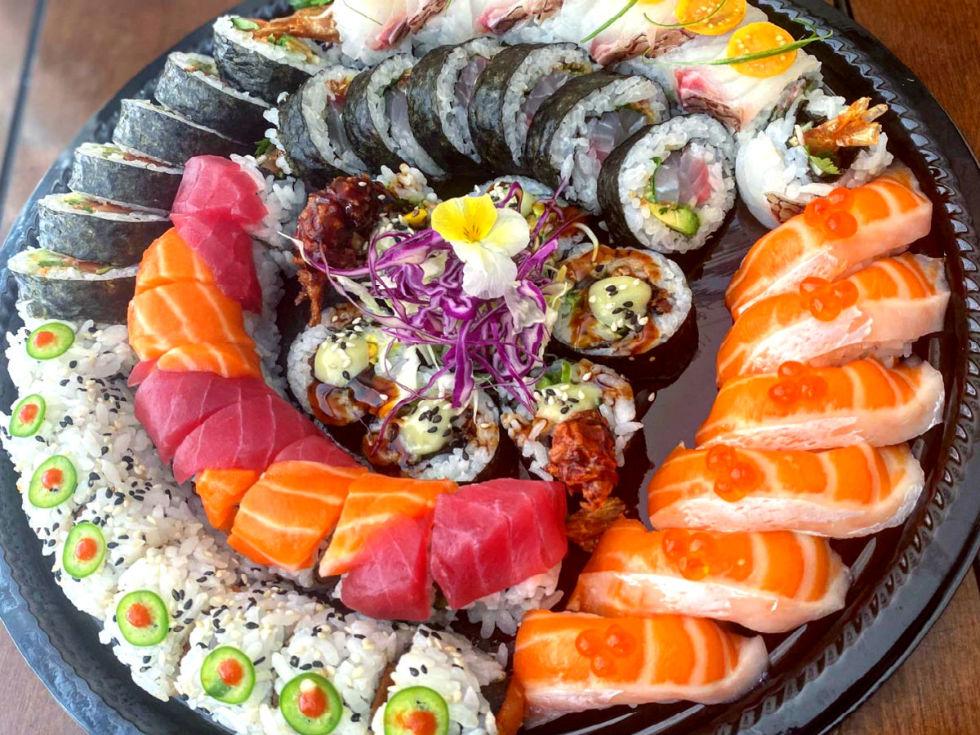 Omakase to go sushi